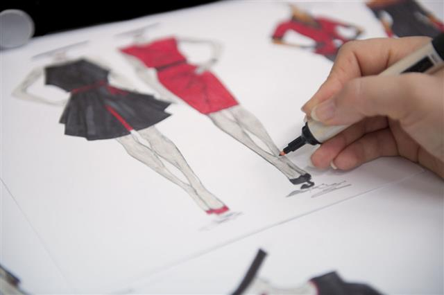 Steps To Become A Fashion Designer